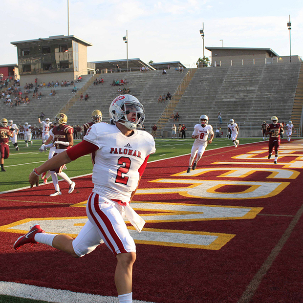 Palomar quarterback Matt Romero runs in a touchdown in the first quarter against Southwestern College. Palomar won 38-31. Justin Gonzalez/The Telescope