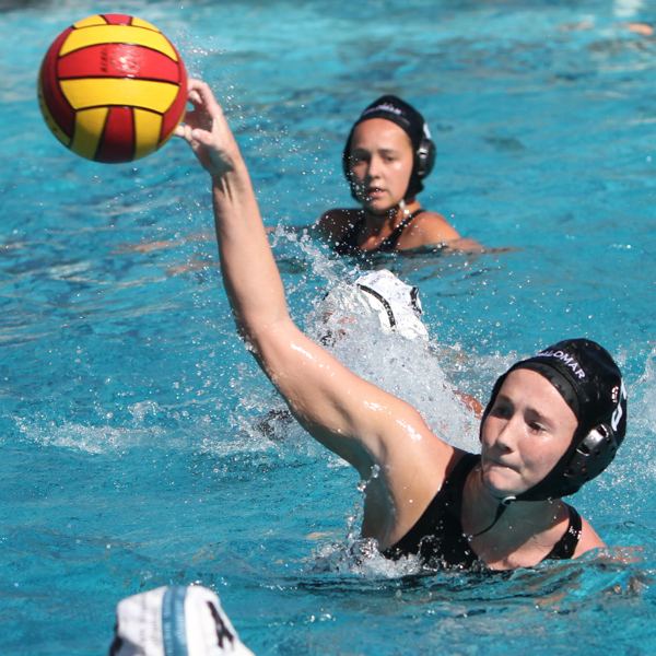 Palomar's Sydney Thomas passes the ball during the game against San Diego Miramar on Oct. 11 at Palomar College. Final Score was Comet's 12 and Miramar 7. Julie Lykins / The Telescope