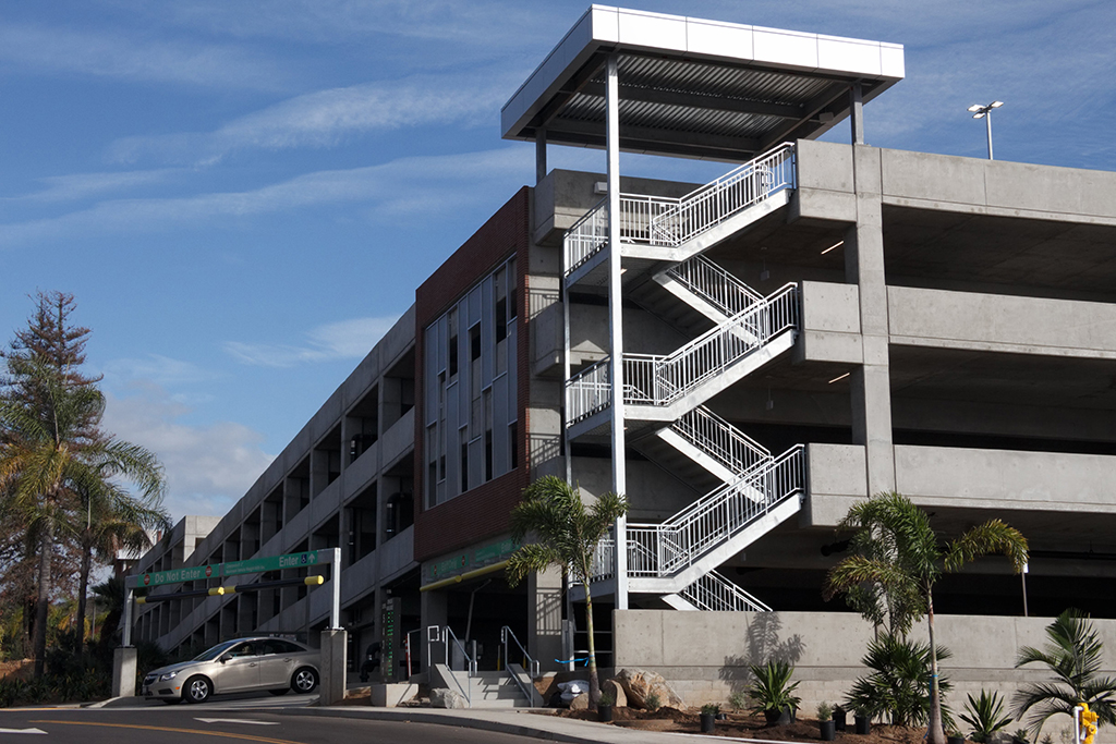 The new Palomar parking garage pictured, Feb 13, opened on Jan 24, at the San Marcos campus. Jennesh Agagas / The Telescope