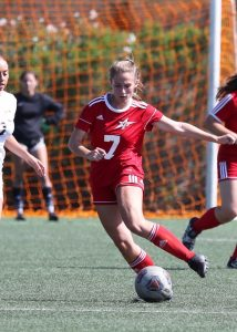 Action shot of Palomar Women's Soccer player Alyssa Jackson.