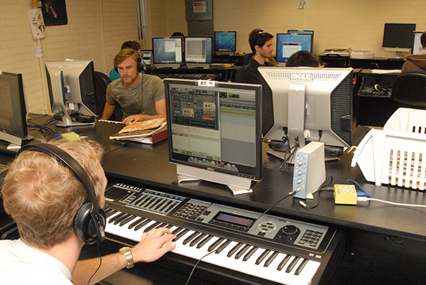 Performing Arts Photo - Behind the scenes - Electronic Sound